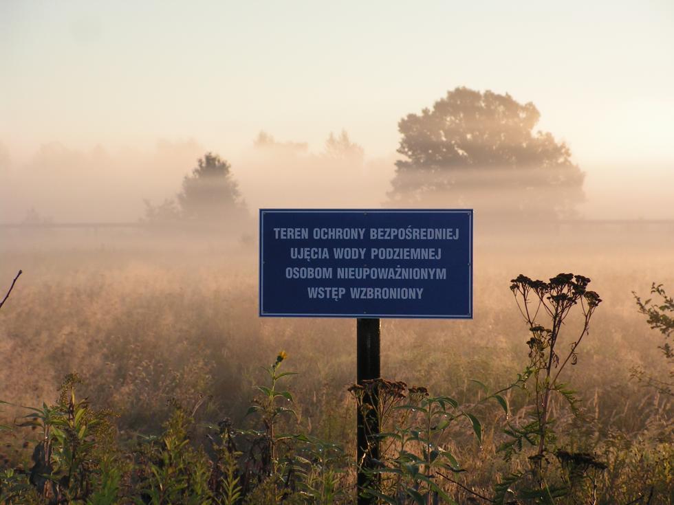 Zakaz wstępu na tereny wodonośne ipola irygacyjne