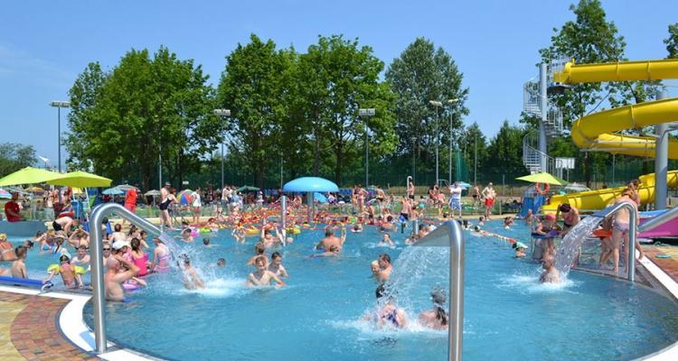 Otwarcie sezonu letniego na wrocławskich kąpieliskach ibasenach – zobacz ceny iobostrzenia